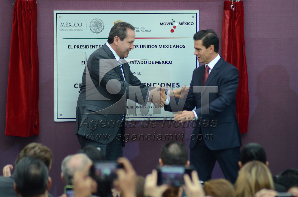 Toluca, México (Enero 16, 2017).- Enrique Peña Nieto, presidente de la Republica Mexicana, acompañado del Gobernador Mexiquense, Eruviel Avila Villegas, inauguraron el Centro de Conveniciones y Exposiciones Toluca. Agencia MVT / José Hernández.