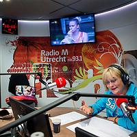 Nederland, Utrecht, 6 augustus 2017.<br /> Vivian Boelen (Amsterdam, 14 februari 1956) (opgegroeid in Maastricht) is een Nederlands radio- en televisiepresentatrice.<br /> Op zondagmorgen presenteert ze een radio programma op RTV Utrecht.<br /> <br /> Foto: Jean-Pierre Jans