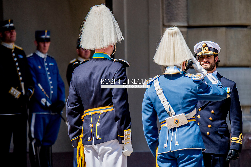 6-6-2017 STOCKHOLM SWEDEN - Prince Carl Philip  and changing of the guards ceremony The royal family celebrates National day in Stockholm at the royal palace and COPYRIGHT ROBIN UTRECHT<br /> 6-6-2017 STOCKHOLM SWEDEN - Prince Carl Philp and The royal family celebrates National day in Stockholm at the royal palace and COPYRIGHT ROBIN UTRECHT<br /> 2017/06/06 STOCKHOLM ZWEDEN - Prins Carl Philip  De koninklijke familie viert Nationale feestdag in Stockholm bij het koninklijk paleis en COPYRIGHT ROBIN UTRECHT
