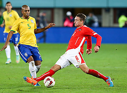 18.11.2014, Ernst Happel Stadion, Wien, AUT, Freundschaftsspiel, Oesterreich vs Brasilien, im Bild Fernandinho (BRA) und Stefan Ilsanker (AUT) // during the friendly match between Austria and Brasil at the Ernst Happel Stadion, Vienna, Austria on 2014/11/18. EXPA Pictures © 2014, PhotoCredit: EXPA/ Alexander Forst