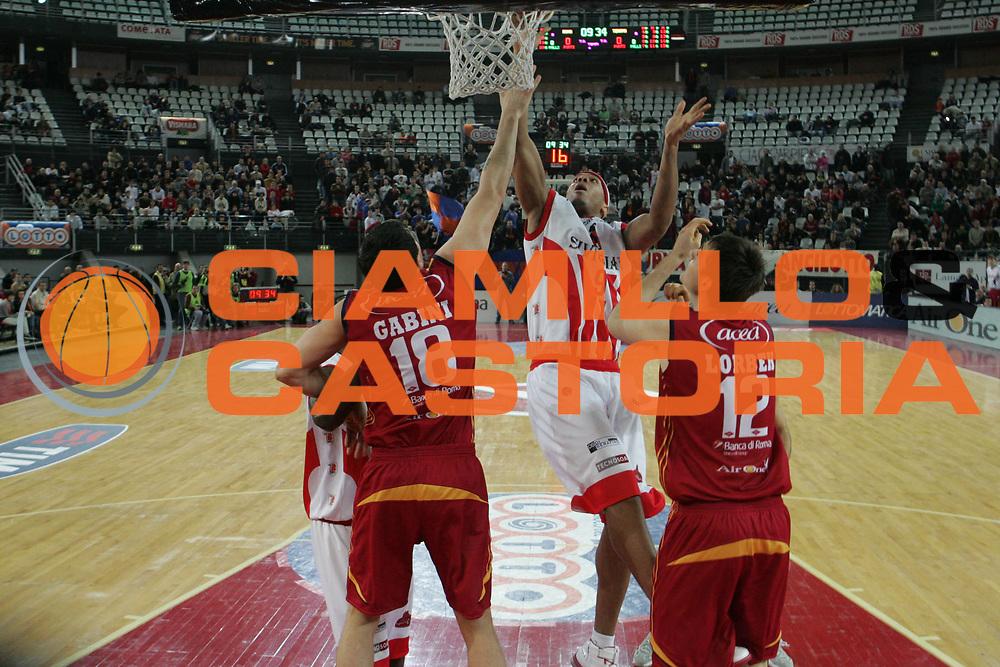 DESCRIZIONE : Roma Lega A1 2007-08 Lottomatica Virtus Roma Siviglia Wear Teramo <br /> GIOCATORE : Guillaume Yango <br /> SQUADRA : Siviglia Wear Teramo <br /> EVENTO : Campionato Lega A1 2007-2008 <br /> GARA : Lottomatica Virtus Roma Siviglia Wear Teramo <br /> DATA : 13/01/2008 <br /> CATEGORIA : Tiro <br /> SPORT : Pallacanestro <br /> AUTORE : Agenzia Ciamillo-Castoria/G.Ciamillo