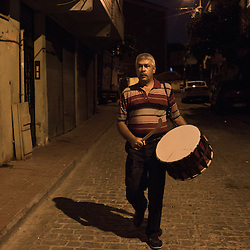 Some districts in Istanbul have outright banned Ramadan drummers who are considered a nuisance. <br /> Yağup Kapca, however, is still welcomed in this neighborhood as a relative. People recognize him and greet him with a handshake. He also holds a permit from the district&rsquo;s head.
