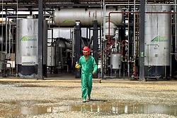Fabrica de biodiesel de Iraquara, onde a mamona  se torna combustivel./ The biodiesel plant Iraquara where castor becomes fuel. Iraquara, BA - Brasil, 2008