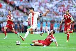 13.06.2015, Nationalstadion, Warschau, POL, UEFA Euro 2016 Qualifikation, Polen vs Greorgien, Gruppe D, im Bild ROBERT LEWANDOWSKI (L), GURAM KASHIA (P) // during the UEFA EURO 2016 qualifier group D match between Poland and Greorgia at the Nationalstadion in Warschau, Poland on 2015/06/13. EXPA Pictures © 2015, PhotoCredit: EXPA/ Newspix/ MICHAL STANCZYK / CYFRASPORT<br /> <br /> *****ATTENTION - for AUT, SLO, CRO, SRB, BIH, MAZ, TUR, SUI, SWE only*****