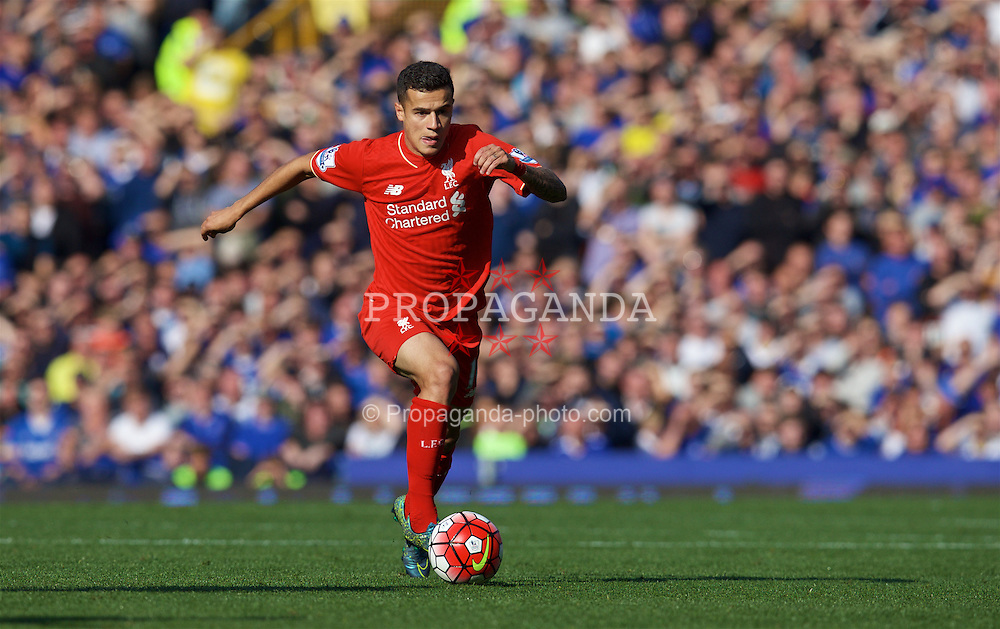 LIVERPOOL, ENGLAND - Sunday, October 4, 2015: Liverpool's Philippe Coutinho Correia in action against Everton during the Premier League match at Goodison Park, the 225th Merseyside Derby. (Pic by David Rawcliffe/Propaganda)