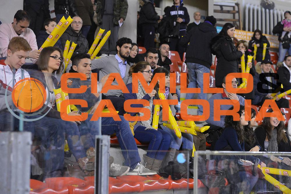 DESCRIZIONE : Roma Lega A 2012-13 Acea Roma EA7 Emporio Armani Milano<br /> GIOCATORE : tifosi palazzetto<br /> CATEGORIA :  marketing<br /> SQUADRA :  <br /> EVENTO : Campionato Lega A 2012-2013 <br /> GARA :  Acea Roma EA7 Emporio Armani Milano<br /> DATA : 17/02/2013<br /> SPORT : Pallacanestro <br /> AUTORE : Agenzia Ciamillo-Castoria/GiulioCiamillo<br /> Galleria : Lega Basket A 2012-2013  <br /> Fotonotizia : Roma Lega A 2012-13 Acea Roma EA7 Emporio Armani Milano<br /> Predefinita :