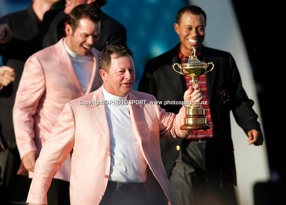 Ryder Cup Day Three, K Club 24/9/2006<br /> European captain Ian Woosnam with the Ryder Cup.<br /> Mandatory Credit &copy;INPHO/Tom Honan<br /> RYDER CUP<br />  ***FOR EDITORIAL USE ONLY. NO USAGE FOR MOBILE PHONE OPERATORS**