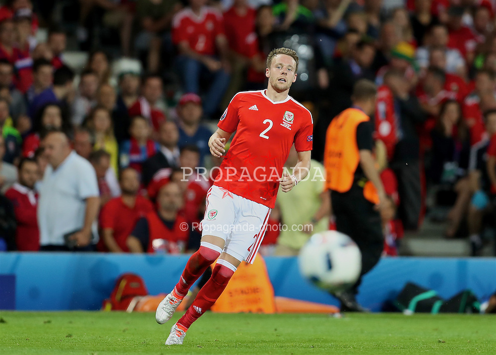 TOULOUSE, FRANCE - Monday, June 20, 2016: Wales' Chris Gunter in action against Russia during the final Group B UEFA Euro 2016 Championship match at Stadium de Toulouse. (Pic by David Rawcliffe/Propaganda)