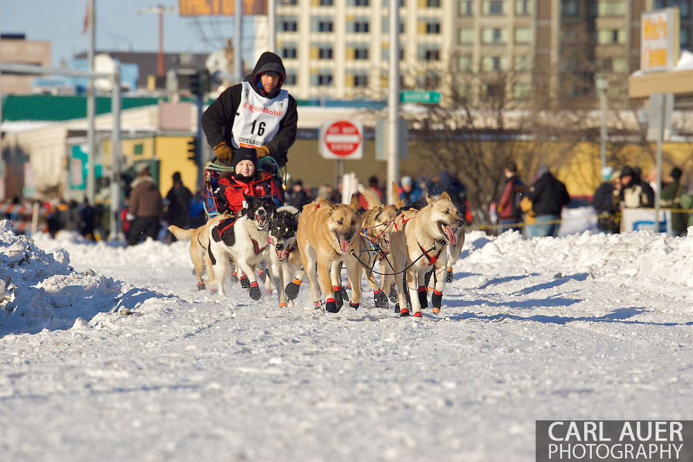 March 7th, 2009:  Anchorage, Alaska - Ramey Smyth of Willow, Alaska brings his team down 4th Avenue at the start of the 2009 Iditarod Sled Dog Race.