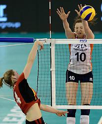 01-06-2014 NED:  Vriendschappelijk Nedeland - Belgie, Eindhoven<br /> Nederland wint met 3-2 van Belgie / Lonneke Sloetjes