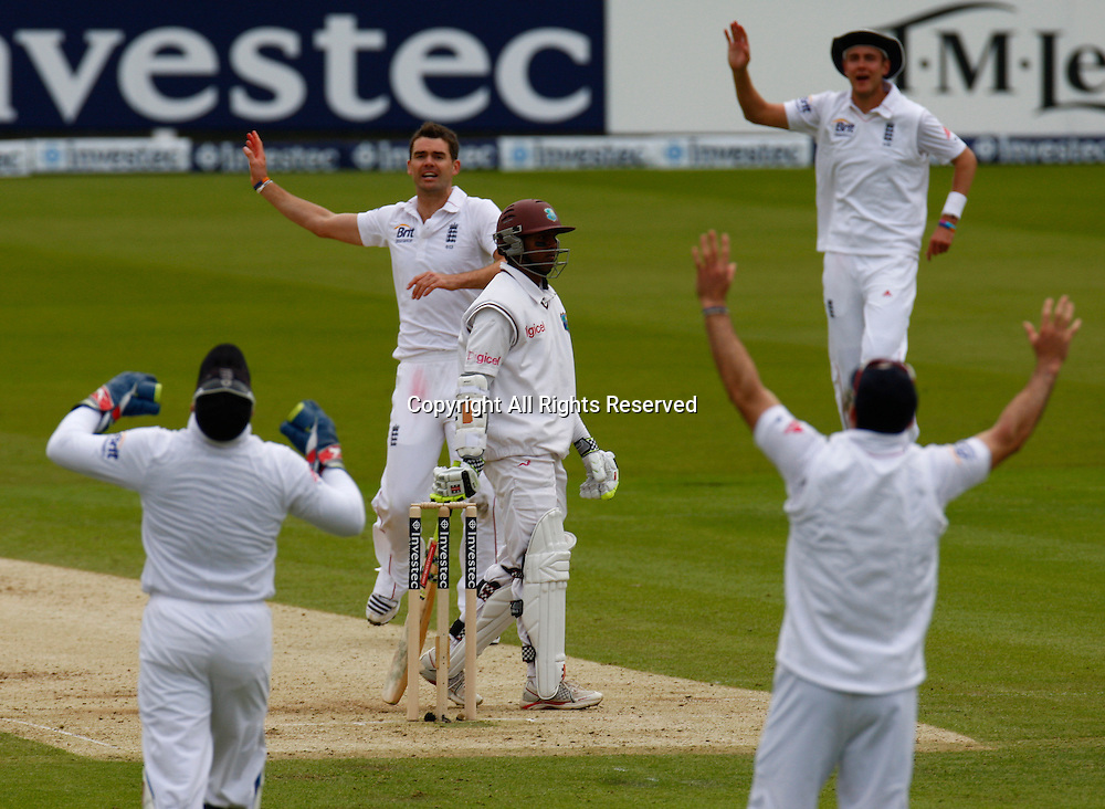 17.05.12 Lords,London, ENGLAND: <br /> James Anderson of England  and Shivnarine Chanderpaul of West Indies during the Investec First Test ( 1st Day of 5 )<br /> between England and West Indies