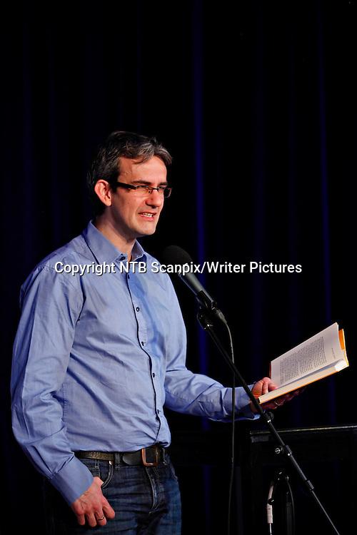 Oslo  20130214.<br /> Prisvinneren av Teskjekjerringaprisen forfatter Endre Lund Eriksen leste under utdelingen av prisen p&Acirc; Det norske teateret i Oslo torsdag formiddag.<br /> Foto: Anette Karlsen / NTB scanpix<br /> <br /> NTB Scanpix/Writer Pictures<br /> <br /> WORLD RIGHTS, DIRECT SALES ONLY, NO AGENCY