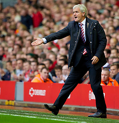 17.08.2013, Anfield, Liverpool, ENG, Premier League, FC Liverpool vs Stoke City, 1. Runde, im Bild Stoke City's manager Mark Hughes during the Premiership match against Liverpool at Anfield during the English Premier League 1st round match between Liverpool FC and Stoke City FC at Anfield, Liverpool, Great Britain on 2013/08/17. EXPA Pictures © 2013, PhotoCredit: EXPA/ Propagandaphoto/ David Rawcliffe<br /> <br /> ***** ATTENTION - OUT OF ENG, GBR, UK *****
