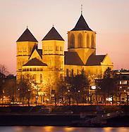 Europe, Germany, North Rhine-Westphalia, Cologne, the romanesque church St. Kunibert...Europa, Deutschland, Nordrhein-Westfalen, Koeln, die romanische Kirche St. Kunibert.