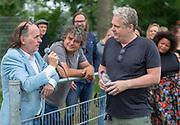 DRC Durgerdam. All Stars voetbaltoernooi. Op de foto: Jean van de Velde, Frank Lammers en Thomas Acda