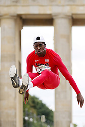 "05.09.2015, Brandenburger Tor, Berlin, GER, Leichtathletik Meeting, Berlin fliegt, im Bild Marquis Dendy (USA) // during the Athletics Meeting ""Berlin flies"" at the Brandenburger Tor in Berlin, Germany on 2015/09/05. EXPA Pictures © 2015, PhotoCredit: EXPA/ Eibner-Pressefoto/ Fusswinkel<br /> <br /> *****ATTENTION - OUT of GER*****"