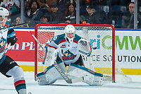 KELOWNA, CANADA - FEBRUARY 23:  Brodan Salmond #31 of the Kelowna Rockets makes a glove save against the Seattle Thunderbirds on February 23, 2018 at Prospera Place in Kelowna, British Columbia, Canada.  (Photo by Marissa Baecker/Shoot the Breeze)  *** Local Caption ***