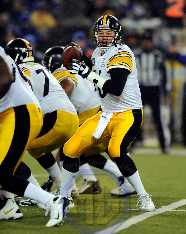 30 December 2007:  Pittsburgh Steelers quarterback Charlie Batch (16) looks to pass against the Baltimore Ravens in the second half on December 30, 2007 at M&T Bank Stadium in Baltimore, Maryland. The Ravens defeated the Steelers 27-21..