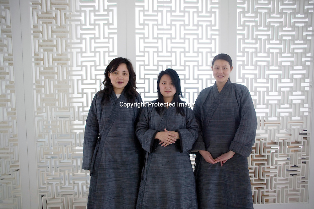 BEJING, MARCH 22:  Green T House Living .waitresses dressed in Manchu robe