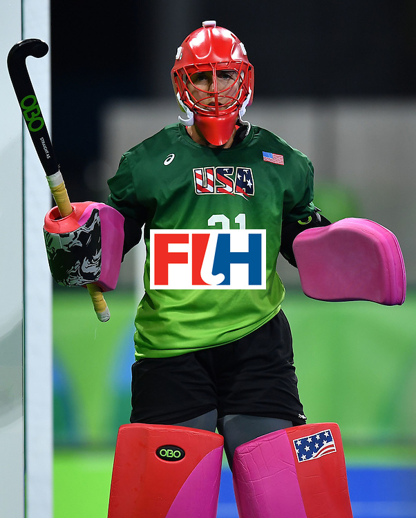 USA's goalkeeper Jackie Briggs during the women's field hockey Britain vs the USA match of the Rio 2016 Olympics Games at the Olympic Hockey Centre in Rio de Janeiro on August, 13 2016. / AFP / MANAN VATSYAYANA        (Photo credit should read MANAN VATSYAYANA/AFP/Getty Images)