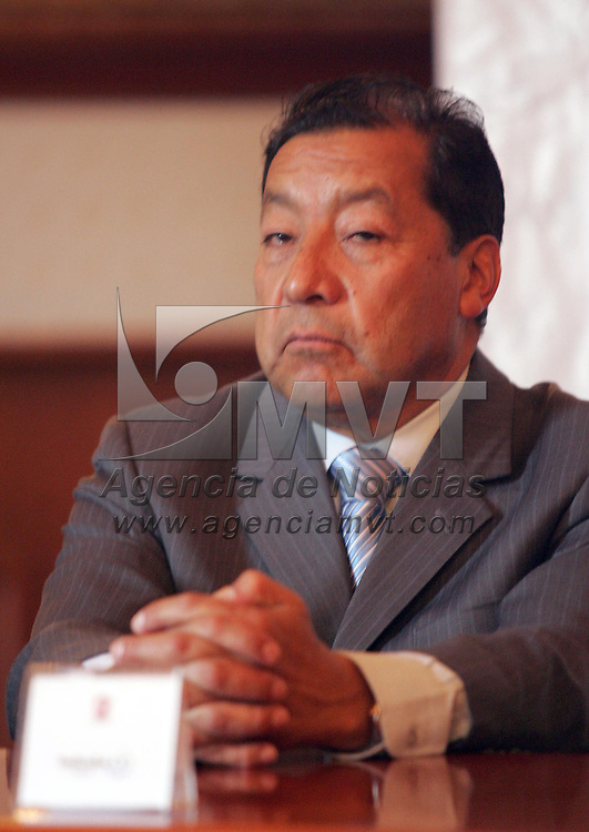 Toluca, Mex.-Jose Castillo Ambriz, Magistrado Presidente del Tribunal Superior de Justica, durante la firma de convenio de la Comision de Derechos Humanos y el Ayuntamiento de Toluca, en Palacio Municipal . Agencia MVT / Javier Rodriguez. (DIGITAL)<br /> <br /> <br /> <br /> <br /> <br /> <br /> <br /> <br /> <br /> <br /> <br /> <br /> <br /> <br /> <br /> <br /> <br /> <br /> <br /> <br /> <br /> <br /> <br /> <br /> <br /> <br /> <br /> <br /> <br /> <br /> <br /> <br /> <br /> <br /> <br /> <br /> <br /> <br /> <br /> <br /> <br /> <br /> <br /> <br /> <br /> <br /> <br /> <br /> <br /> <br /> <br /> <br /> <br /> <br /> <br /> <br /> <br /> <br /> <br /> <br /> <br /> <br /> <br /> NO ARCHIVAR - NO ARCHIVE