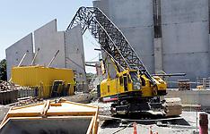 Blenheim-100 tonne cranes topples on theatre building site