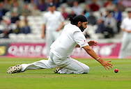 Photo © ANDREW FOSKER / SPORTZPICS 2008 -  Monty Panesar completely misses the ball while fielding at mid on giving away four runs off James Anderson 's bowling  - England v South Africa - 09/08/08 - Fourth nPower Test Match -  Day 3 - The Brit Oval - London - UK - All rights reserved