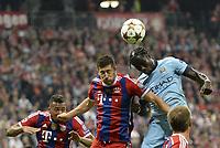 Fotball<br /> Tyskland<br /> 17.09.2014<br /> Foto: Witters/Digitalsport<br /> NORWAY ONLY<br /> <br /> v.l. Robert Lewandowski (Bayern), Bacary Sagna<br /> <br /> Fussball, Champions League, Gruppenphase, FC Bayern München - Manchester City 1:0