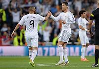 FUSSBALL  CHAMPIONS LEAGUE  HALBFINAL  HINSPIEL  SAISON 2013/2014    Real Madrid - FC Bayern Muenchen       23.04.2014 Freude nach dem 1:0: Karim Benzema (li) und Cristiano Ronaldo (re, beide Real Madrid)