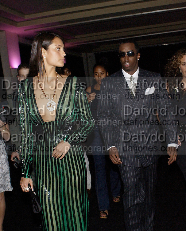 Sean P Diddy. Atelier Versace show, Theatre National de Chaillot. Paris. © Copyright Photograph by Dafydd Jones 66 Stockwell Park Rd. London SW9 0DA Tel 020 7733 0108 www.dafjones.com