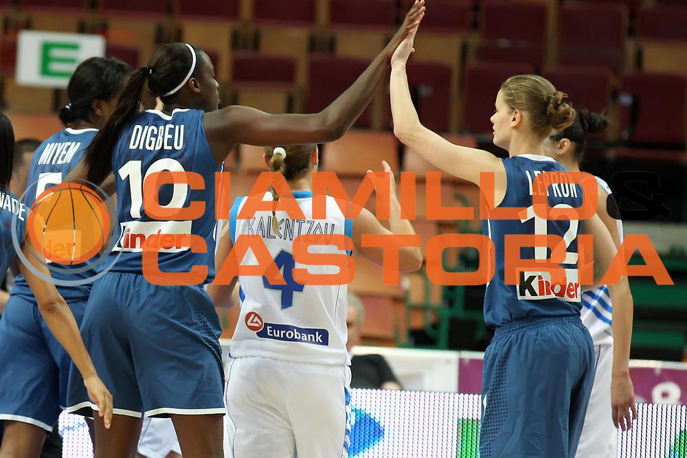 DESCRIZIONE : Katowice Poland Polonia Eurobasket Women 2011 Round 1 Grecia Francia Greece France<br /> GIOCATORE : Jennifer Digbeu Florence Lepron<br /> SQUADRA : France Francia<br /> EVENTO : Eurobasket Women 2011 Campionati Europei Donne 2011<br /> GARA : Grecia Francia Greece France<br /> DATA : 20/06/2011<br /> CATEGORIA :<br /> SPORT : Pallacanestro <br /> AUTORE : Agenzia Ciamillo-Castoria/E.Castoria<br /> Galleria : Eurobasket Women 2011<br /> Fotonotizia : Katowice Poland Polonia Eurobasket Women 2011 Round 1 Grecia Francia Greece France<br /> Predefinita :
