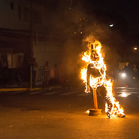 La tradicional quema de ¨Judas¨en el barrio Pedregal, en Chacao, que se celebra todos los domingos de resurrecion, que marca el final de la semana santa. The burning of Judas is an Easter-time ritual in many Orthodox and Catholic Christian communities, where an effigy of Judas Iscariot is burned. Other related mistreatment of Judas effigies include hanging, flogging, and exploding with fireworks. Caracas, 27 de marzo del 2016. Jimmy Villalta