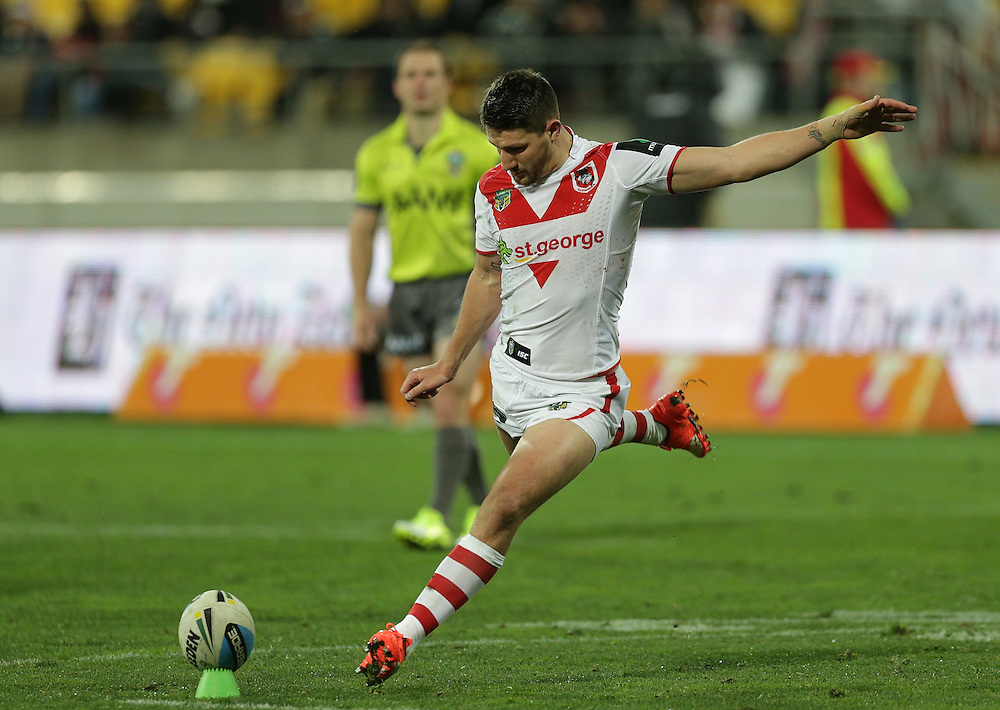 Gareth Widdop of the Dragons takes a conversion kick against the Warriors during their round 22 NRL match at Westpac  Stadium, Wellington on  Saturday, August 08, 2015. Credit: SNPA / David Rowland