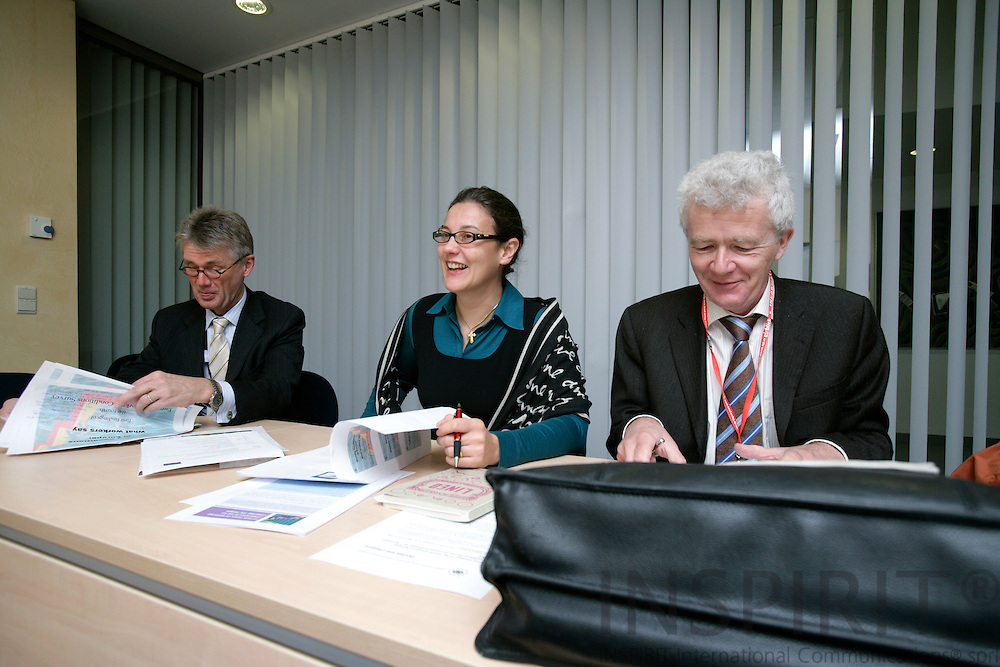 BRUSSELS - BELGIUM - 07 NOVEMBER 2006 -- From left Jorma KARPPINEN, Director of EUROFOUND, Agnes PARENT-THIRION and Willy BUSCHAK, Deputy Director of EUROFOUND, at the presentation of the Fourth European Working Conditions Survey: First results of Working conditions in Europe - what workers say.   PHOTO: ERIK LUNTANG / INSPIRIT Photo