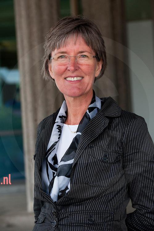 Monique van der Hoeven