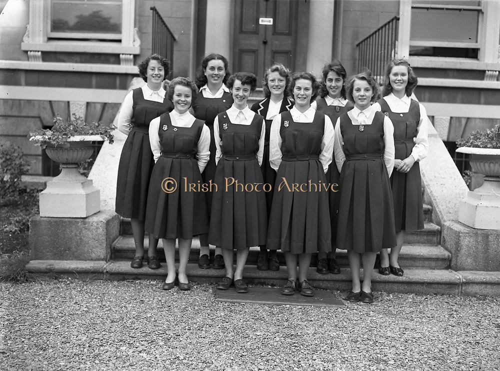 14/06/1952<br /> 06/14/1952<br /> 14 June 1952<br /> St. Mary's Dominican Convent 6th years.