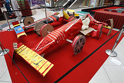 Motorsports / Formula 1: World Championship 2010, GP of Abu Dhabi, formula one car built by children