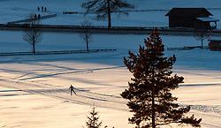 THEMENBILD - ein Freizeitsportler beim Langlaufen auf einer Loipe, aufgenommen am 29. Jaenner 2017, Seefeld, Österreich // A freestyle athlete during cross-country skiing on ski track in Seefeld, Austria on 2017/01/29. EXPA Pictures © 2017, PhotoCredit: EXPA/ JFK