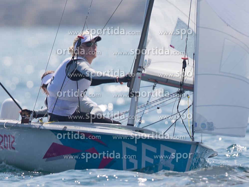 10.08.2012, Bucht von Weymouth, GBR, Olympia 2012, Segeln, Damen, 470er, Medaillenfahrt, im Bild Friederike Belcher, Kathrin Kadelbach (GER) // Friederike Belcher, Kathrin Kadelbach (GER) during Sailing women's medal race 470er at the 2012 Summer Olympics at Bay of Weymouth, United Kingdom on 2012/08/10. EXPA Pictures © 2012, PhotoCredit: EXPA/ Johann Groder