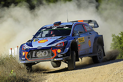 October 6, 2017 - Salou, Catalonia, Spain - The Belgian driver Thierry Neuville and his co-driver Nicolas Gil of Hyundai Motorsport, jumping with his Hyundai i20 WRC during the Rally Racc Catalunya Costa Daurada, on October 6, 2017 in Salou, Spain. (Credit Image: © Joan Cros/NurPhoto via ZUMA Press)
