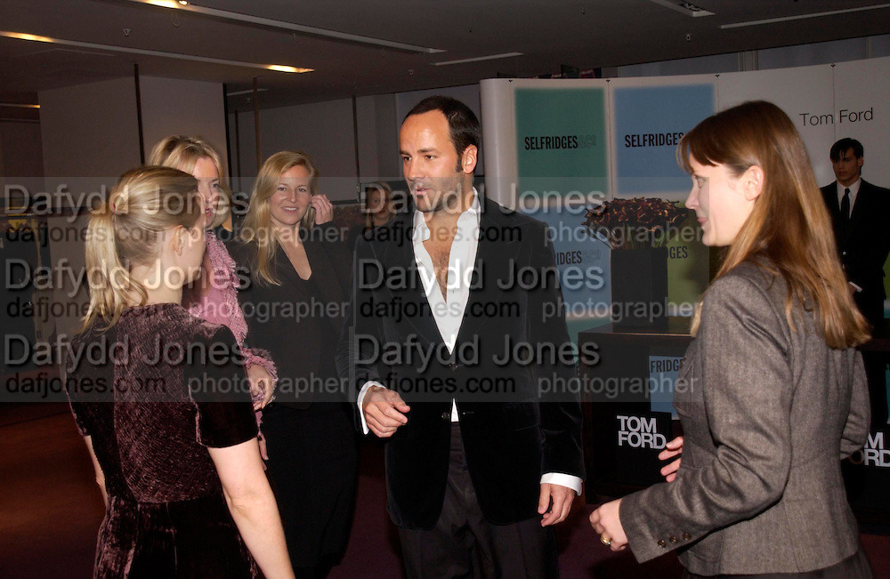 Tom Ford, Tom Ford at Selfridges  to launch his book. 11 November 2004. ONE TIME USE ONLY - DO NOT ARCHIVE  © Copyright Photograph by Dafydd Jones 66 Stockwell Park Rd. London SW9 0DA Tel 020 7733 0108 www.dafjones.com