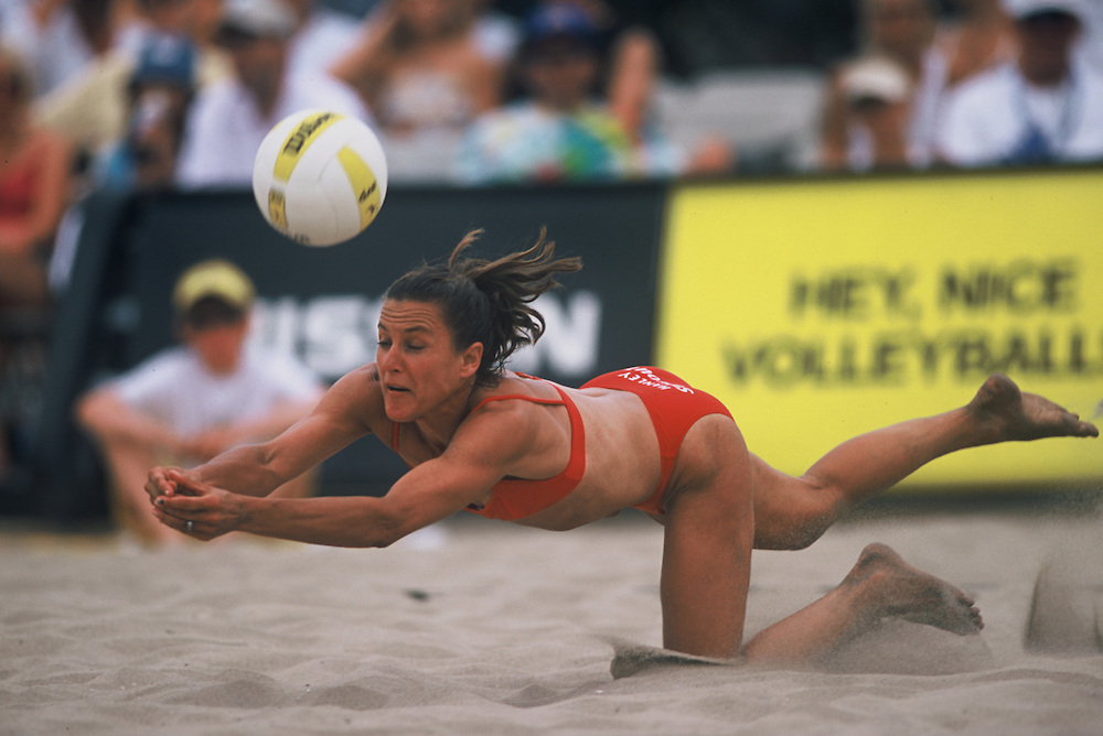 AVP Professional Beach Volleyball - Manhattan Beach, CA - 2002 - Linda Hanley -  Photo by Wally Nell/Volleyball Magazine
