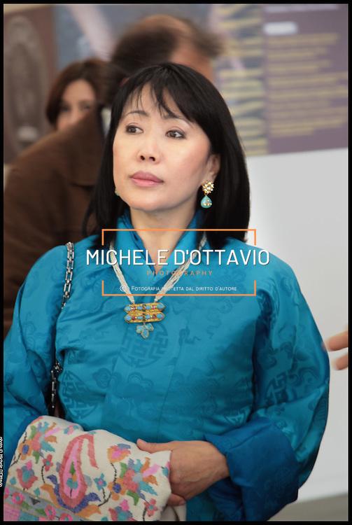 Torino 22/10/2010..Sua Maestà Ashi Dorji Wangmo Wangchuck, Regina Madre del Bhutan, ospite di Novamont, in occasione di Terra Madre visita il Salone Internazionale del Gusto 2010.