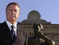 Fotball<br /> Foto: BPI/Digitalsport<br /> NORWAY ONLY<br /> <br /> 12/10/2004 Statue unveiling, Tofiq Bahramov Stadium<br /> Sir Geoff Hurst unveils the statue in honour of the Azerbaijan linesman.