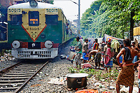 Inde, Bengale Occidental, Calcutta (Kolkata), gare ferroviere de Baghbazar // India, West Bengal, Kolkata, Calcutta, Bagbazar train station