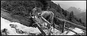 Traditionalalpine farming and gathering  in Switzerland, Alpine Landwirtschaft in der Schweiz, Agriculture de montagne en Suisse. © Romano P. Riedo | FOTOPUNKT.CH.