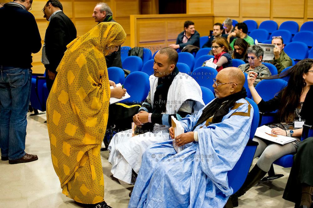 Roma 16 Novembre 2013<br />  Saharawi che partecipano , alla giornata conclusiva  del 38&deg; EUCOCO, conferenza Europea di Coordinamento dei Comitati di solidariet&agrave; con il popolo sahrawi,  alla  sede  della Regione Lazio  a Roma.<br /> Rome November 16, 2013<br /> Saharawi participating, to the final day of the 38th EUCOCO, European Conference of Coordination Committees of solidarity with the Saharawi people, the headquarters of the Region of Lazio in Rome