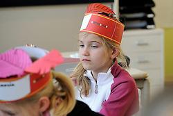 05-12-2012 ALGEMEEN: SINTERKLAAS OP KBS DE PIONIER: MAARSSEN<br />Vandaag was het Sinterklaasfeest op de Pionier<br />©2011-FotoHoogendoorn.nl