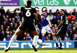 Alan Judge of Ipswich Town shoots at goal - Mandatory by-line: Phil Chaplin/JMP -  FOOTBALL - Portman Road - Ipswich, England - Ipswich Town v Reading - Sky Bet Championship