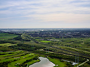 Nederland, Zuid-Holland, Zoetermeer, 14-09-2019; de nieuwbouwwijk Oosterheem, HSL-lijn richting kassengebied bij Bleiswijk.<br /> New development district Oosterheem, HSL line in the direction of the greenhouse area near Rotterdam.<br /> luchtfoto (toeslag op standard tarieven);<br /> aerial photo (additional fee required);<br /> copyright foto/photo Siebe Swart